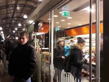 Gratis koffie op station Nijmegen door stroomstoring Amsterdam