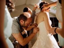Syrische vluchteling redt bruiloft met maken ritssluiting