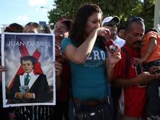 Tienduizenden eren Mexicaanse zanger Gabriel