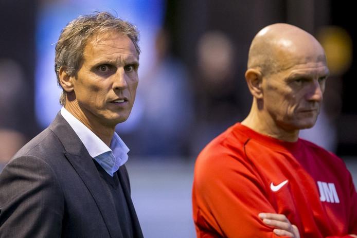 De Treffers-trainer Anton Janssen (l) voor het bekerduel met Roda JC.