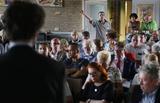 Information evening about the chemical contamination in Dordrecht.