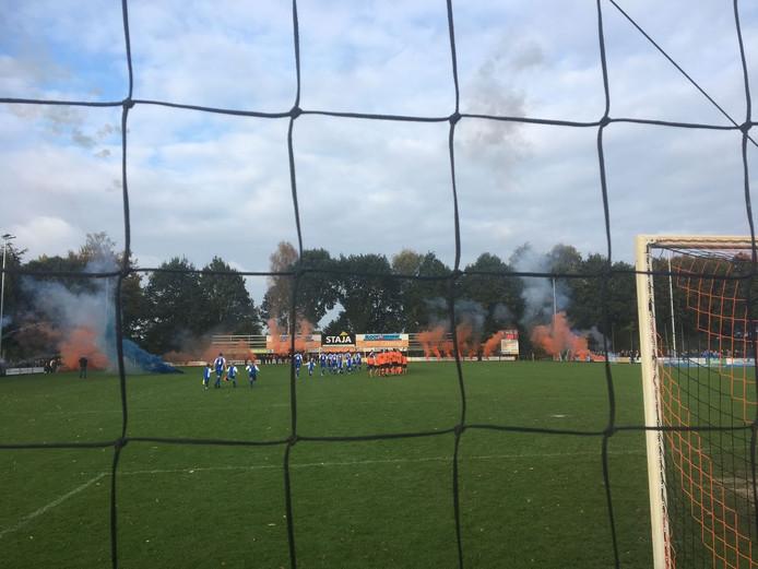 Toeschouwer Dennis Goossens maakte deze foto van de wedstrijd Pax tegen Keijenborgse Boys.