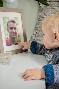 Vlaamse (32) baart twee jaar na dood echtgenoot zijn zoontje