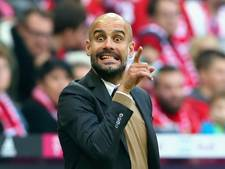 Guardiola in peperdure Bentley naar training