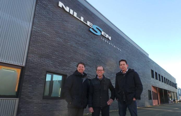 Jos Ruijs, Frans Nillesen en Mark Nijhoff (rechts) voor de vestiging in Groesbeek.