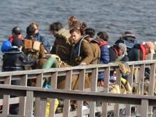 Opdringerige fans in Urk dwingen Harry Styles tot bodyguard