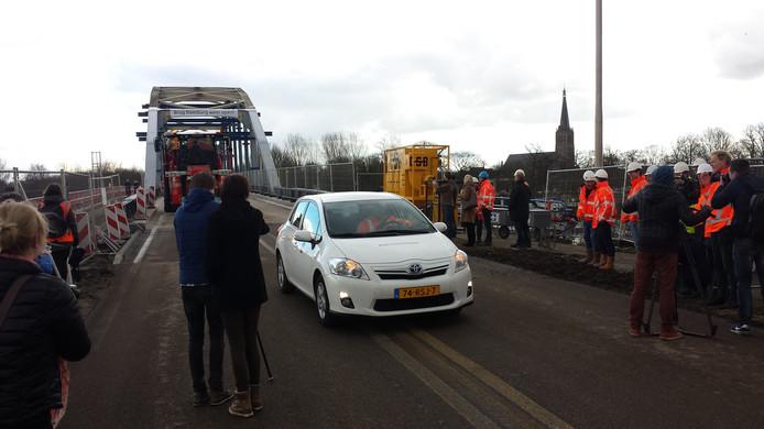 De IJsselbrug bij Doesburg ging 23 februari na een afsluiting weer open.