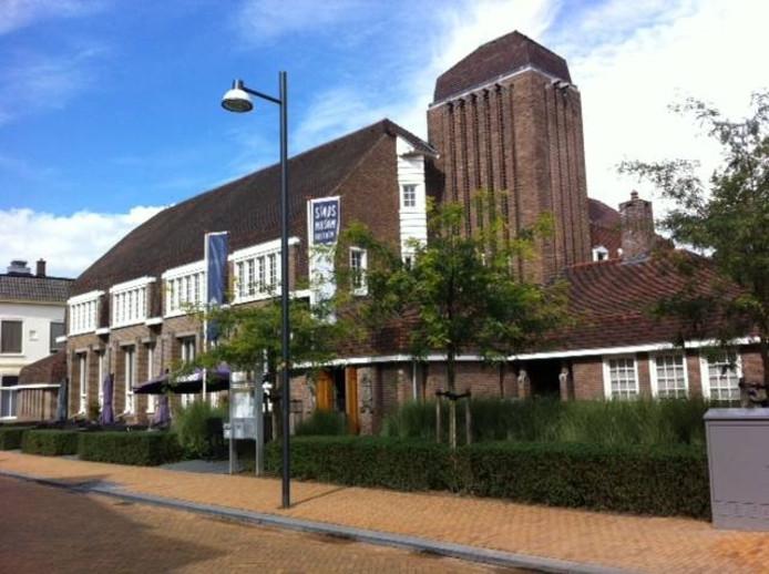 Het Stadsmuseum en het Borghuis aan de Van Nispenstraat.