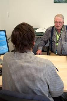 Arts spaart pillen voor arme klant