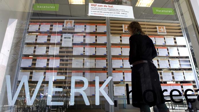 In alle provincies, op Zeeland na, daalt de werkloosheid.