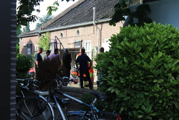 Brandweer hielp de politie om toegang te krijgen tot de wietkwekerij.