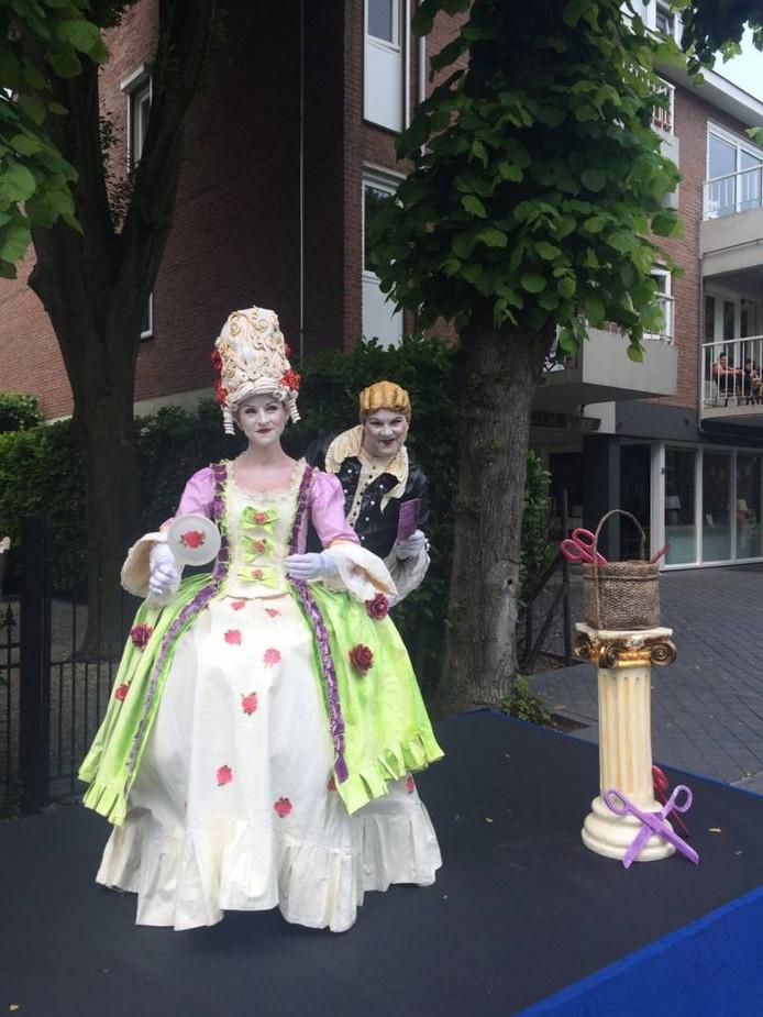 Hermine van der Burgt en Michiel van der Steen als 'Coiffeur confus'