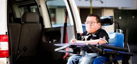 15-jarige in actie voor rolstoelbus