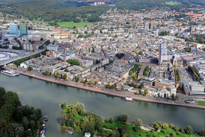 De Rijnkade bij Arnhem.