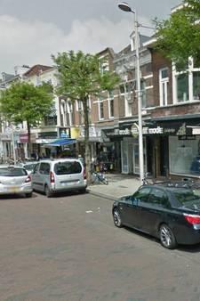 Man op klaarlichte dag in Rotterdam van auto beroofd