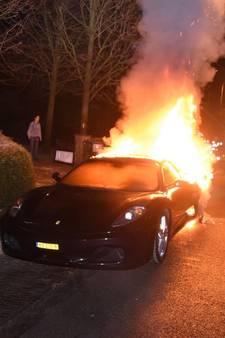 Man kan slechts één dag van dure Ferrari genieten