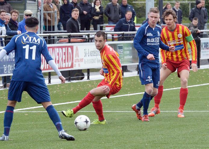 Davey Goudt in actie tijdens het duel met Hollandia.
