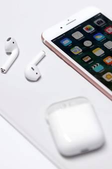 Twitter spot met draadloze oortjes van nieuwe iPhone 7