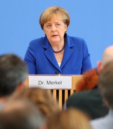 Na reeks aanvallen herhaalt Merkel: Wir schaffen das