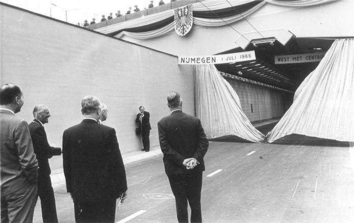 De opening van de tnnnel op 1 juli 1966.