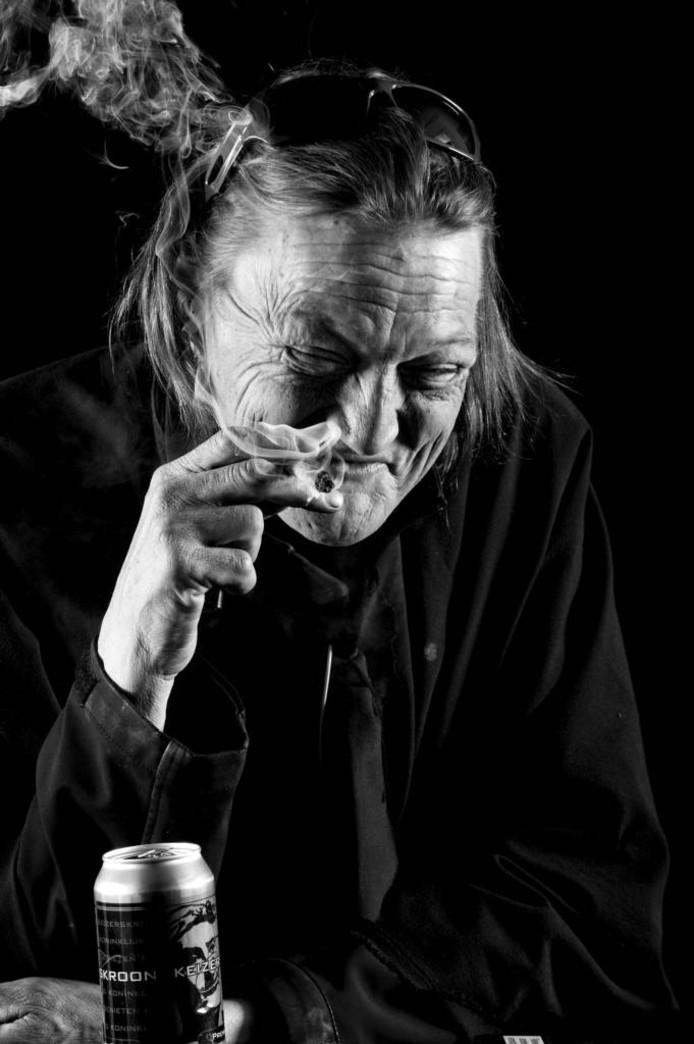 Robbie Veenstra geportretteerd door fotograaf Raphaël Drent. De fotograaf exposeert vanaf zaterdag 5 november met tientallen 'Kopstukken' in de Tielse Damstraat.