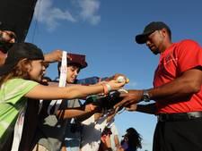 Woods speelt bijrol bij rentree op eigen toernooi