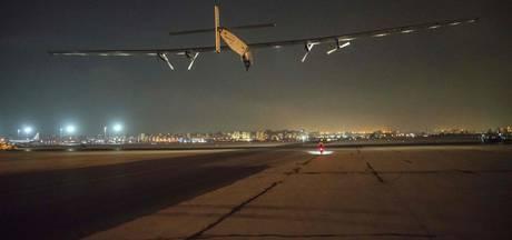 Solar Impulse 2 als eerste zonnevliegtuig de wereld rond