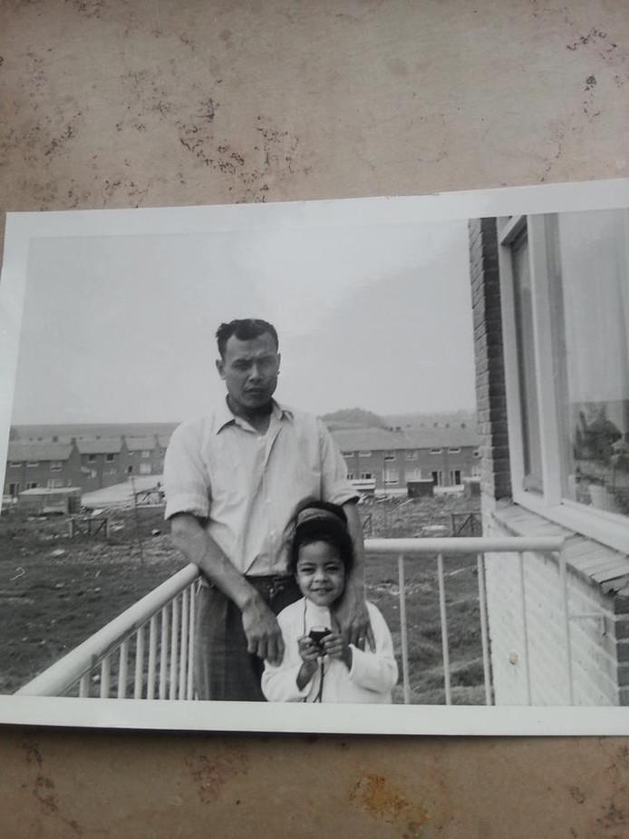 Dochter Corrie en haar vader Fred.