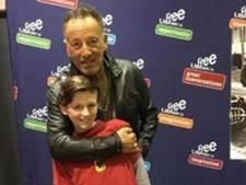Bruce Springsteen tekent afwezigheidsbriefje 10-jarig ventje