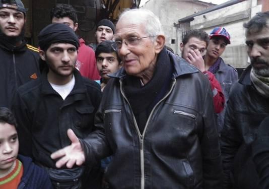 Afbeeldingsresultaat voor pater frans van der lugt met syrische vlag