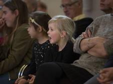 Dirigente betovert publiek bij singalong in Doesburg