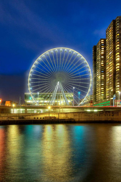 Dineren in 60 meter hoog reuzenrad in Rotterdam