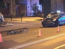 Fietsster in kritieke toestand na aanrijding met taxi in Nijmegen