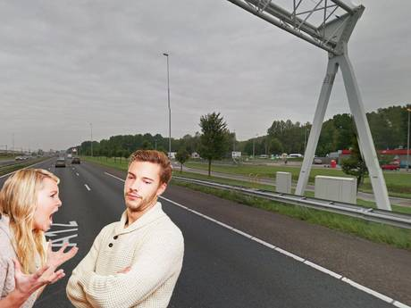 Man en vrouw vechten ruzie uit op de snelweg
