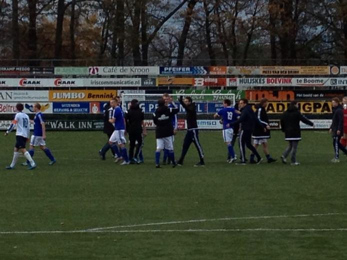 De eindstand is 2-0 voor Grol. Foto