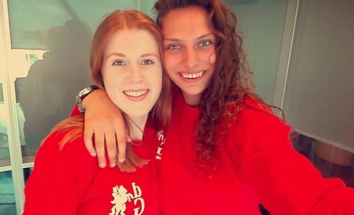 Linda (links) en Dieke.