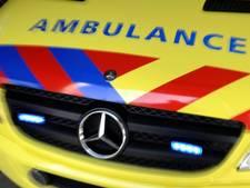 Motorrijder ernstig gewond na rammen vlaggenmasten
