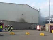 Grote brand in loods op industrieterrein Moerdijk