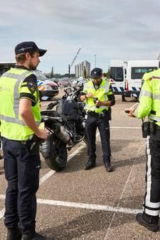 Grote politiecontrole in Rotterdam-Zuid