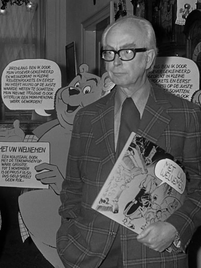 Marten Toonder in 1973 bij de presentatie van een nieuwe uitgave.