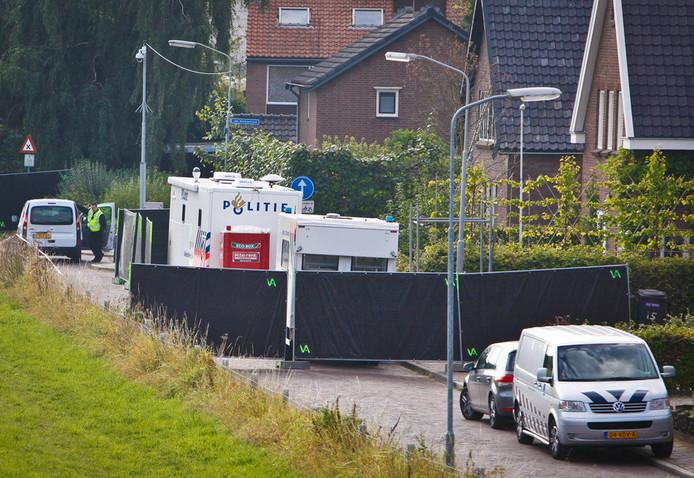 Het onderzoek van de politie bij de woning in Kekerdom.