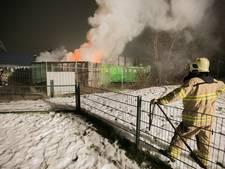 Container vol afval van kringloopwinkels uitgebrand