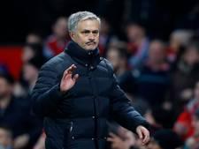 VIDEO: Mourinho neemt telefoon verslaggever op tijdens persconferentie