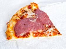 Pizzakoerier beroofd van geld, telefoon én pizza