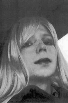Obama laat klokkenluider Chelsea Manning vervroegd vrij