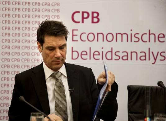 CPB-directeur Coen Teulings vandaag tijdens de toelichting van de raming op de voorlopige kerncijfers in perscentrum Nieuwspoort.