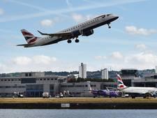 'Helft vliegtuigpassagiers krijgt geen vergoeding bij lange vertraging'