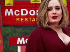 Diëtende Adele betrapt bij McDrive