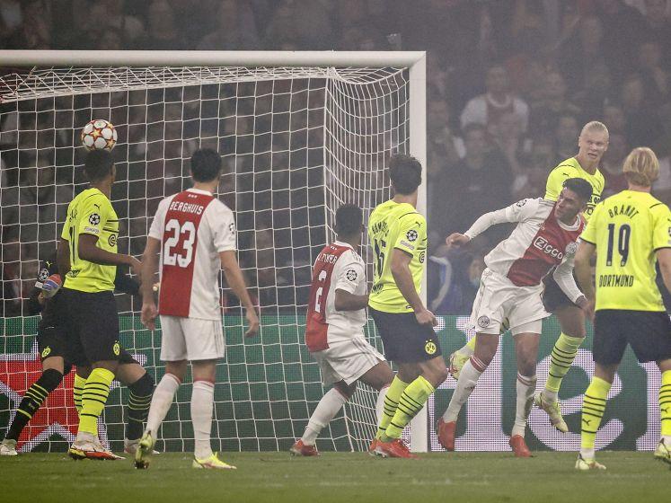 Tadic zet Ajax uit vrije trap op voorsprong tegen Dortmund