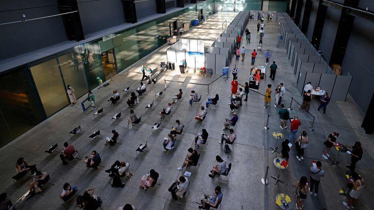 Ook het Tate Modern in Londen is omgebouwd tot vaccinatielocatie.  Beeld AFP